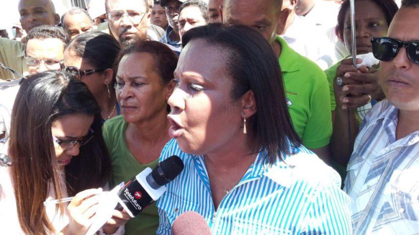 Ministro de Educación es sometido a la justicia por varias corrientes nacionales de la a ADP