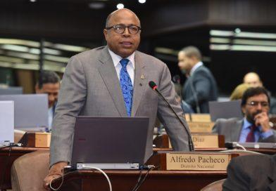 Alfredo Pacheco afirma importantes proyectos sometidos por el Bloque de diputados del PRM no se agendan