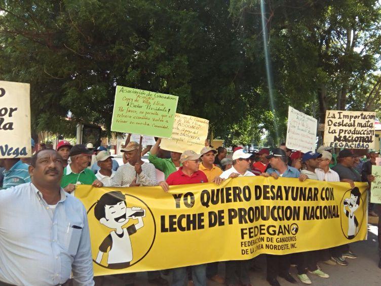 Ganaderos marchan en Santiago Rodríguez en reclamo de mejores condiciones