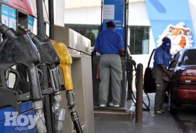 Precios de combustibles bajan para la semana del 29 de abril al 5 de mayo en RD