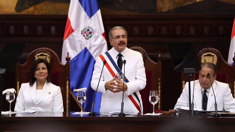 Dos hermanos de Danilo Medina y otros cercanos colaboradores entre exfuncionarios detenidos por la Procuraduría