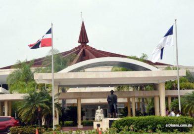 UASD se querella ante la fiscalía contra presunto falsificador de títulos