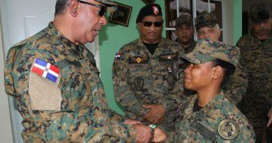 Comandante General del Ejército recorre puestos militares de la 2da. Brigada de Infantería