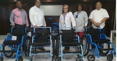 Hospital Moscoso Puello adquiere nuevos aspiradores y sillas de ruedas