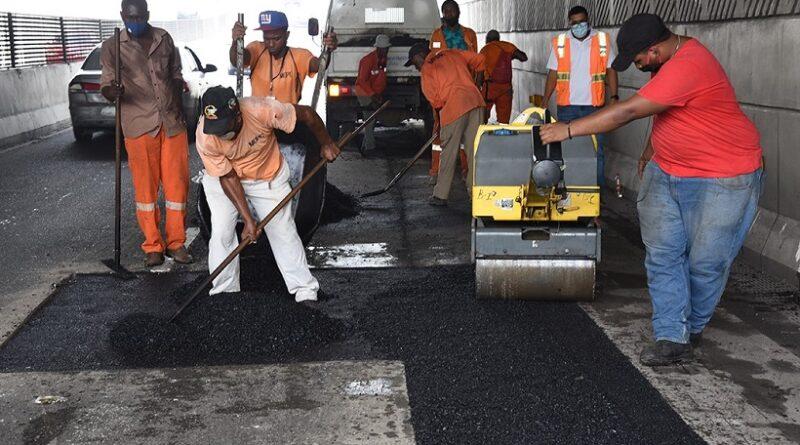 Obras Públicas reparó la avenida 27 de Febrero desde la Isabel Aguiar hasta la Josefa Brea