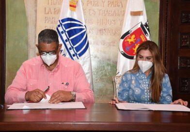 Interior y Policía y ADN acuerdan crear escuela para la formación de policías municipales