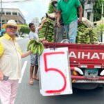 HIPÓLITO MEJÍA: El expresidente que le compra a los vendedores ambulantes